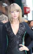Taylor Swift Named First Recipient Of Dick Clark Award For Excellence At 2014 American Music Awards