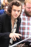 One Direction, Ed Sheeran, Bono: See The Stars Arrive For Band Aid 30 Recording [Pictures]