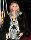 Kim Cattrall Pulls Out Of West End Production Of 'Linda' On Doctor's Orders