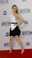 Taylor Schilling, American Music Awards