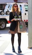 Jessica Alba leaves Whole Foods Market