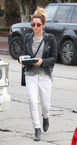 Ashley Tisdale takes her lunch to go on Melrose Place