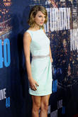 Taylor Swift Named Global Recording Artist Of The Year