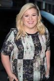 Kelly Clarkson Defends Spanking Her Children