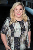 "Kelly Clarkson Addresses The Body Shamers On Ellen: ""We Are Who We Are Whatever Size"""