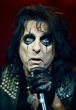 Alice Cooper Raises Cash For Nepal With Gig Meet-and-greet