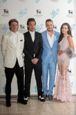 Niall Horan, Louis Tomlinson, Liam Payne and Sophia Smith