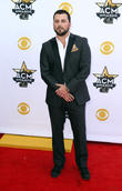 Country Singer Tyler Farr Weds
