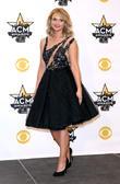Brad Paisley And Carrie Underwood Poke Fun At Blake Shelton's Split During Cma Awards