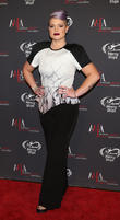 Kelly Osbourne Tweets Congratulations To Melissa Rivers As 'Fashion Police' Returns
