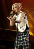 Gwen Stefani Jokes: 'I'm Pregnant!'