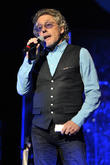 Roger Daltrey Blasts Ac/dc For Karaoke Axl Rose Hire