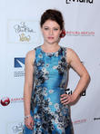 Emilie De Ravin Upset By Rude Airline Attendant's Behaviour