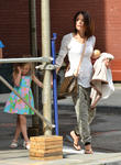 Reality Star Bethenny Frankel Denies Dating Actor Eric Stonestreet