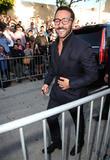 Jeremy Piven Treats Entourage Fans To Free Popcorn In Los Angeles