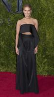 Ashley Tisdale Cast Jessica Lowndes As Lesbian Love Interest