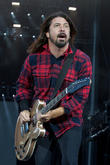 Dave Grohl Fan Launches Fundraiser To Pay For Foo Fighter Star's Time