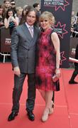 Robert Carlyle and Ashley Jensen