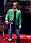 Romeo Santos Snaps Up Newcomer Farina For Jay Z's Roc Nation