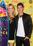 Bella Thorne and Gregg Sulkin
