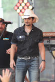 Brad Paisley & Carrie Underwood Back For 50th Cma Awards