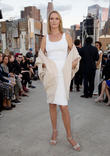 Uma Thurman Signs Parenting Agreement With Former Fiance