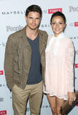 Robbie Amell and Italia Ricci