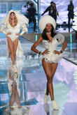 Victoria's Secret Fashion Show Lights Up The Runway With New Additions Kendall Jenner And Gigi Hadid [Photos]