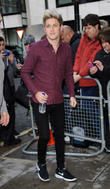 One Direction's Niall Horan To Go Solo First - Report