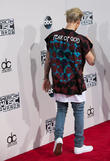 Justin Bieber Asks Fans To Help Him Find Instagram Beauty