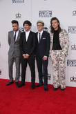 One Direction Fans Hopes Raised Then Dashed Over Reunion