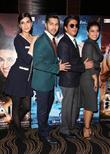 Kajol, Shah Rukh Khan, Kriti Sanon and Varun Dhawan