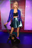 Taylor Swift Lands 2015'S Top Tour
