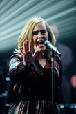 Adele Announces Surprise Pre-grammys Show