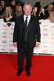 Les Dennis Announces Departure From 'Coronation Street' After Two Years