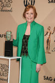 Carol Burnett Returning To Tv With Amy Poehler Comedy