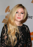 Now That's 'Complicated': The Avril Lavigne Of Today Is A Fake According To Conspiracy Theory