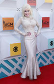 Dolly Parton: 'I Fight Illiteracy For My Father'