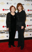 Reba Mcentire and Jacqueline Smith
