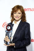 "Susan Sarandon Says It's ""Sexist"" To Argue Women Have To Vote For Hillary Clinton"