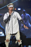 Justin Bieber Sneezes On Unfortunate Fan During Concert