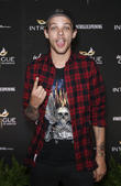 Louis Tomlinson Airport Scuffle 'Victim' Pressing Charges, Tells Her Side Of The Story