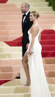 Rosie Huntington-Whiteley Expecting First Child With Jason Statham