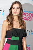 Hailee Steinfeld Not Close To 'Squad' Leader Taylor Swift