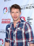 """James Blunt Says Friend Carrie Fisher """"Went Out With A Bang"""""""
