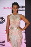 Kelly Rowland Dedicates New Award To Beyonce's Mum