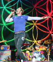 """I'd Have To Take You For Dinner First!"" Chris Martin Gets Propositioned By Fan During Coldplay Gig"