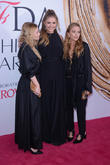 Elizabeth Olsen, Ashley Olsen and Mary-kate Olsen