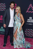 Carrie Underwood Celebrates Sixth Wedding Anniversary With Dinner At The Beach