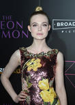 'The Neon Demon': Shocking, Surreal And Superficial - Critics Are Divided